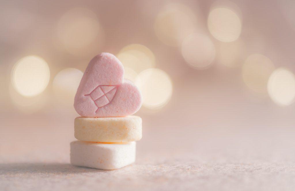 pilules - bonheur - accro - opioïdes - addiction - dépendance - obsession addict