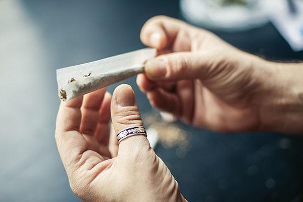 accro-cannabis-marijuana-oa-drogue-obsession-addict-6