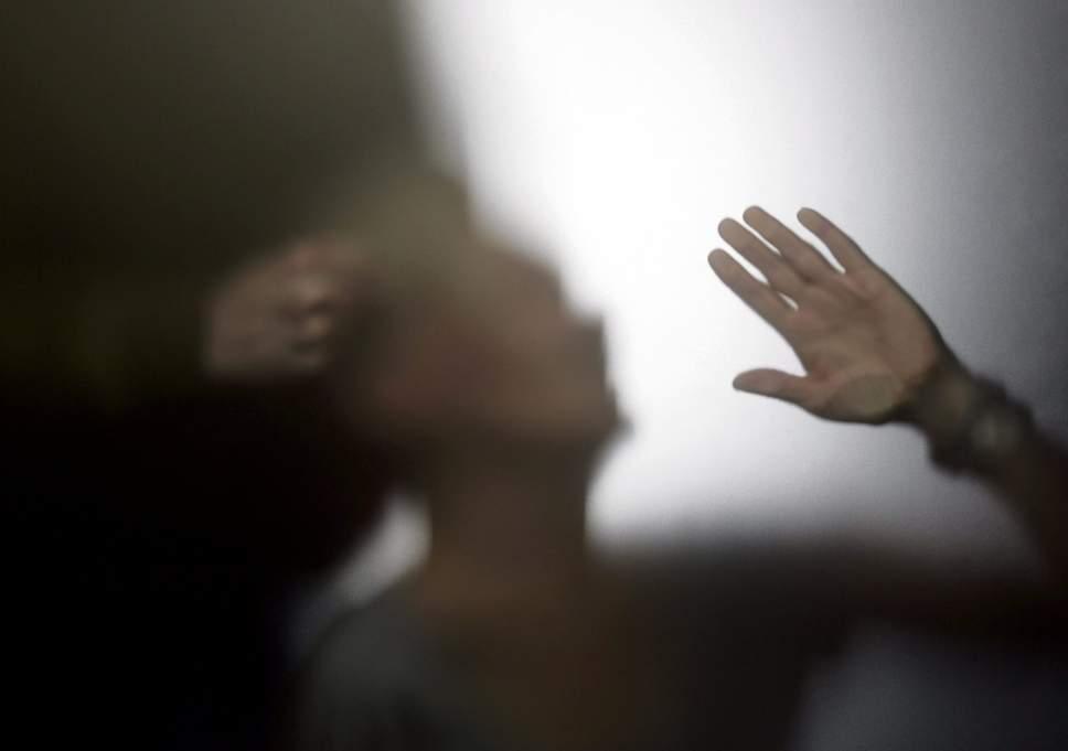 addictions-violence-domestiques-connexions-oa-obsession-addict